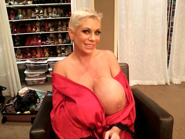 Score doing a shoot with huge boobs Claudia Marie