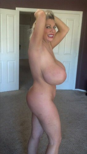 lady nude pics mommy