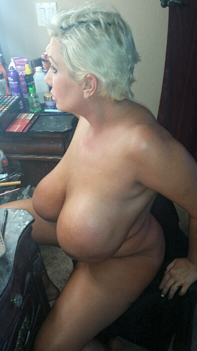 Have heavy hanging tits