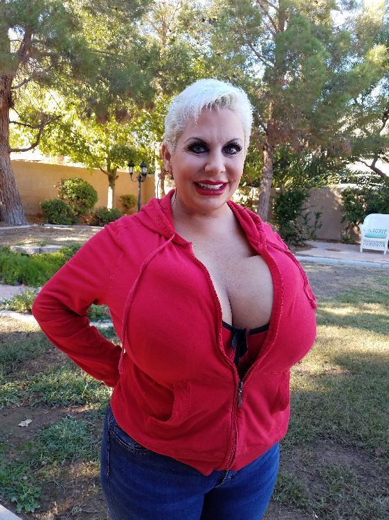 Big Tit Claudia Marie October 2018